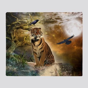 Wonderful tiger with crows in the night Throw Blan