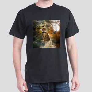 Wonderful tiger with crows in the night T-Shirt