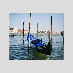 Venedig Throw Blanket