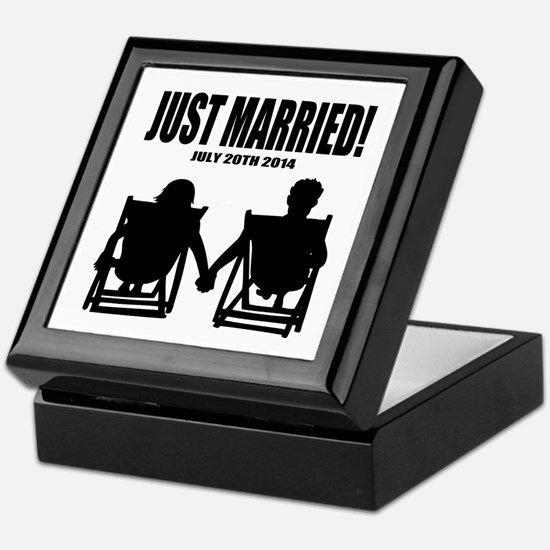 Just Married   Personalized wedding Keepsake Box