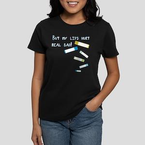 lips hurt3 dark T-Shirt