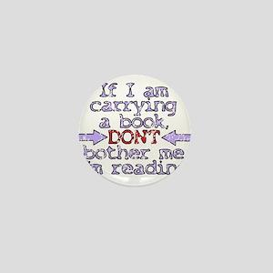 Im reading. Mini Button
