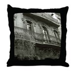 Punto de Vista Throw Pillow