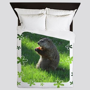 Groundhog eating Queen Duvet
