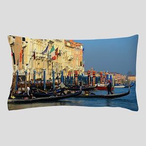 Venetian gondoliers Pillow Case