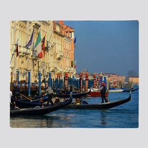 Venetian gondoliers Throw Blanket