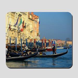 Venetian gondoliers Mousepad