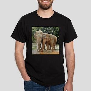 ELEPHANT LOVE Dark T-Shirt