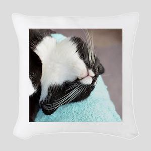 sleeping tuxedo cat Woven Throw Pillow