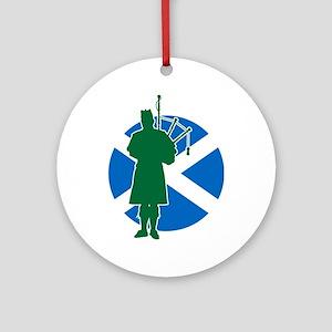 Scottish Piper Ornament (Round)