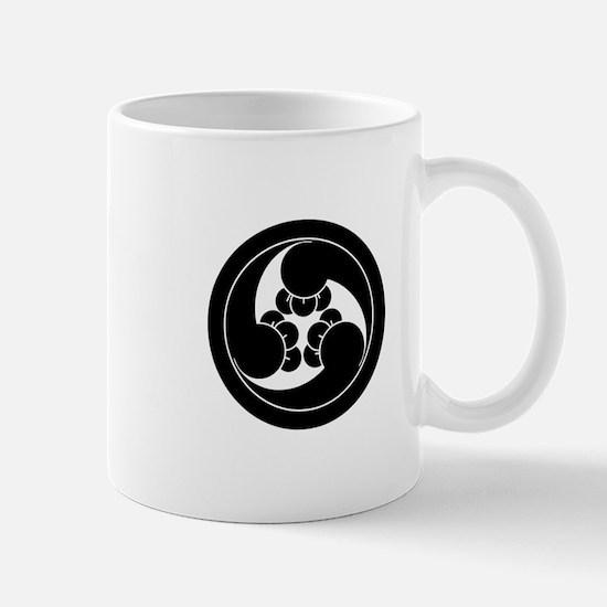 Three counterclockwise clove swirls in Mug
