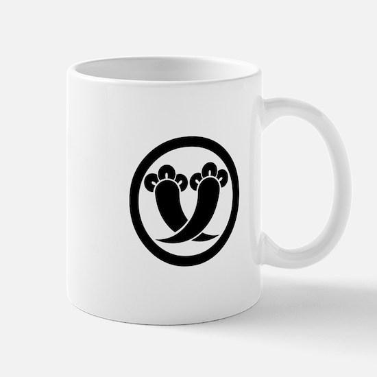 Intersecting cloves in circle Mug