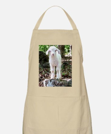 Mattie on the Mountain Apron