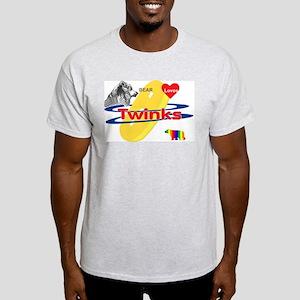 Bear Loves Twinks T-Shirt