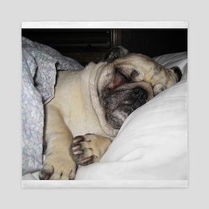 Sleepy Pug Queen Duvet