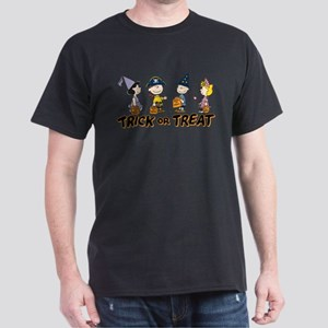 The Peanuts Gang: Trick or Treat Dark T-Shirt