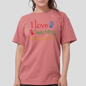 I Love Teaching Kindergarten T-Shirt