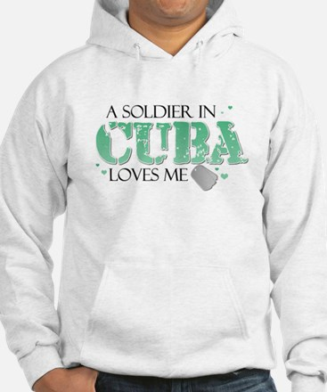 A soldier in Cuba loves me Hoodie