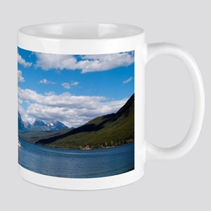 Landscape photography, lake, blue sky, mountain Mu