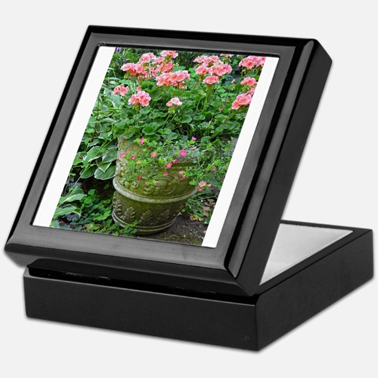 Cool Geranium Keepsake Box
