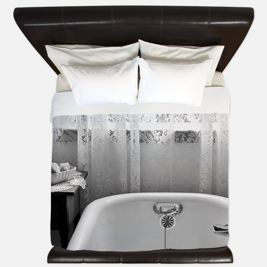 Claw foot tub King Duvet