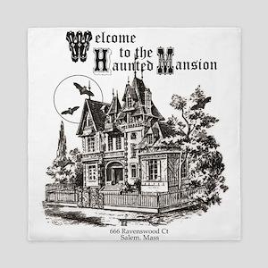 vintage Halloween haunted house Queen Duvet