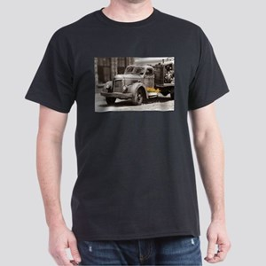 Vintage Old Truck Color Splash T-Shirt