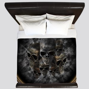Old metal skulls in the mist King Duvet