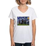 Starry Night & Schipperke Women's V-Neck T-Shirt