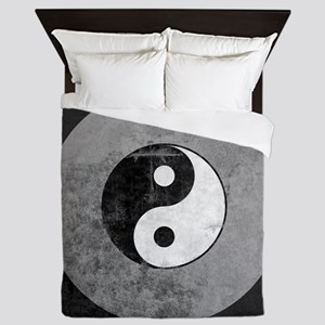 Distressed Yin Yang Symbol Queen Duvet