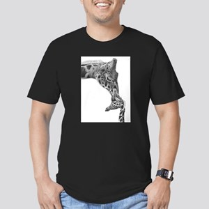 Giraffe and Calf Men's Fitted T-Shirt (dark)