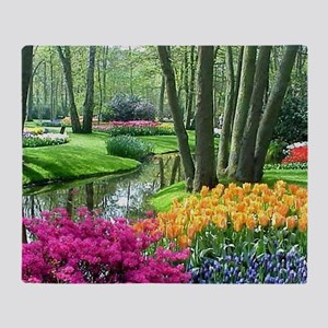 beautiful garden 2 Throw Blanket