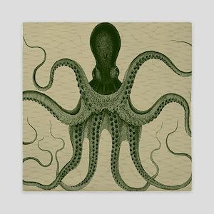 Vintage Octopus in green Queen Duvet