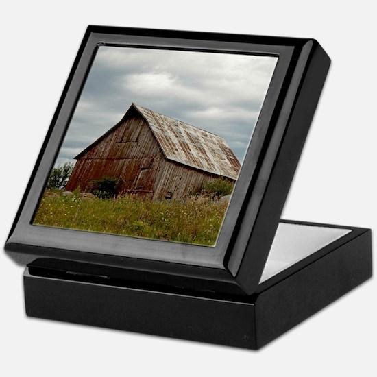 Vintage Iowa Barn  Keepsake Box