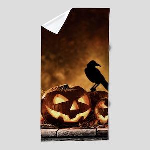 Halloween Pumpkins And A Crow Beach Towel