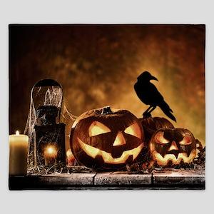 Halloween Pumpkins And A Crow King Duvet