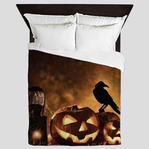 Halloween Pumpkins And A Crow Queen Duvet