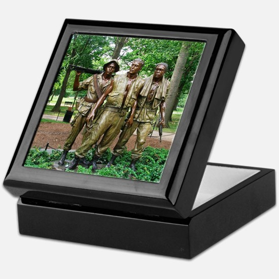 Three Vietnam Servicemen Statue - Was Keepsake Box