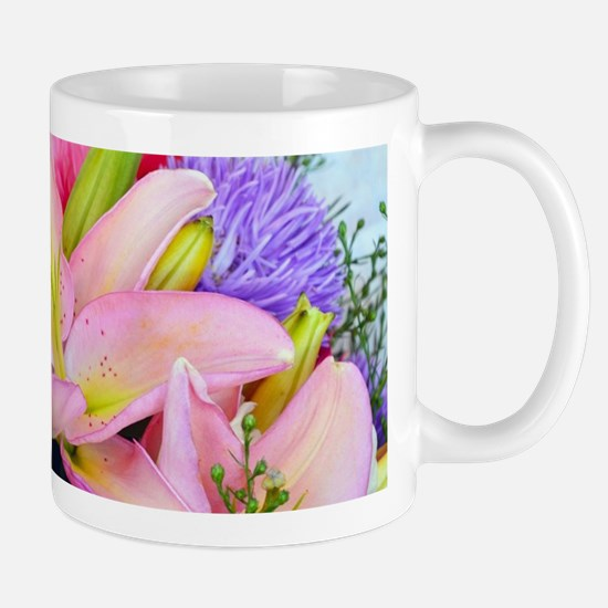 Pink dahlia and lily floral bouquet Mugs