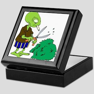 Smoking Alien Trimming bushes Keepsake Box