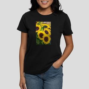 Yellow summer sunflowers T-Shirt