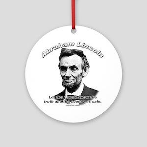 Abraham Lincoln 03 Ornament (Round)