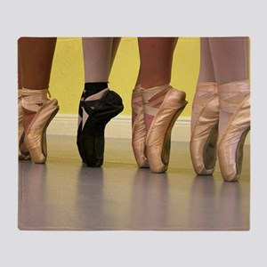 Ballet Dancers on Pointe or on Toes Throw Blanket