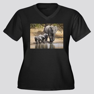 Elephant mom and babies Plus Size T-Shirt