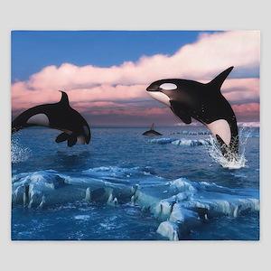 Killer Whales In The Arctic Ocean King Duvet