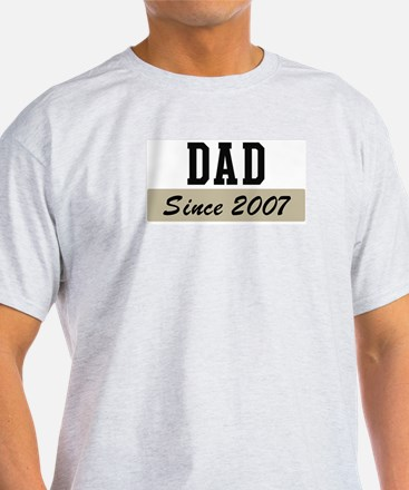 Dad since 2007 (brown) T-Shirt
