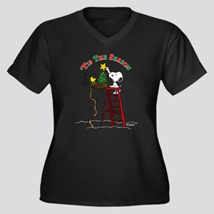 Peanuts Tis Women's Plus Size V-Neck Dark T-Shirt