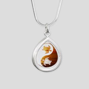 YN Turtle-02 Necklaces
