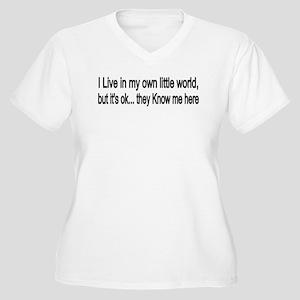 little world Women's Plus Size V-Neck T-Shirt
