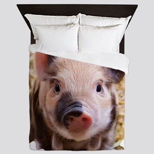 Sweet piglet,white mask Queen Duvet